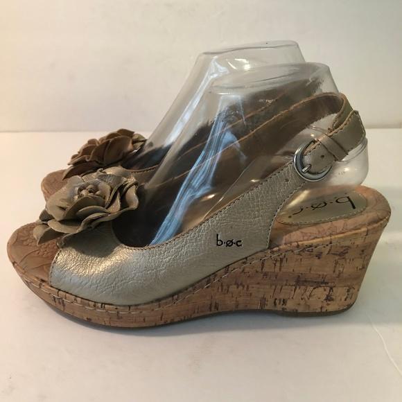 75b4295c64 BOC Born Concepts Shoes   Boc Born Concept Sz 9 Gold Flower ...